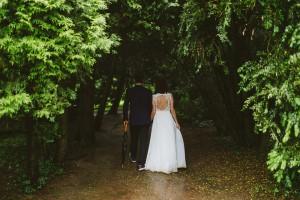 Cómo iluminar una boda en el bosque