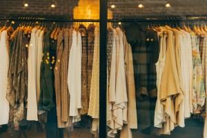 iluminación de tiendas de ropa