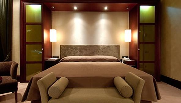C mo podemos iluminar una habitaci n - Focos para dormitorios ...
